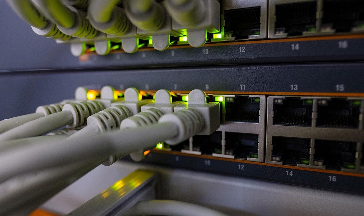 Réseaux filaires et WIFI pour connexion réseau professionnel : IT Services